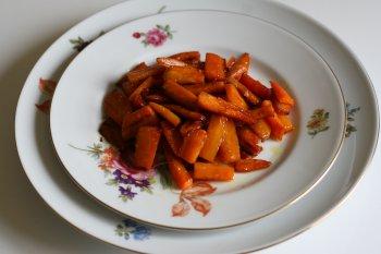 1280. Морковь тушеная