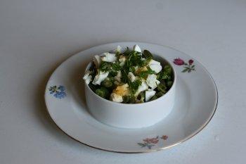 1443. Стручки фасоли отварные с яйцом