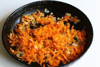 спассеровать лук и морковь на жире